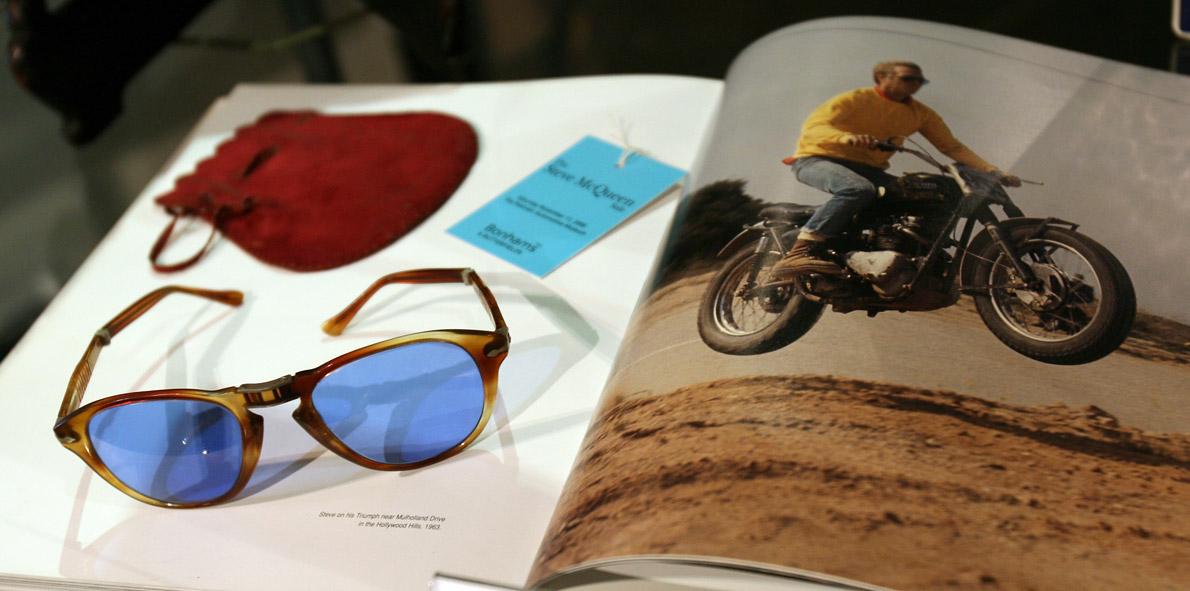 Τα Persol γυαλιά του δημοπρατήθηκαν το 2006: Ο μύθος του πουλάει πολύ.