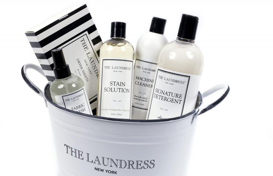 the_laundress_sign_bucket_135