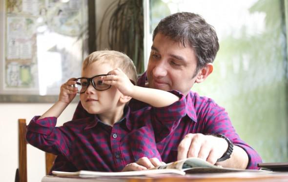 Θοδωρής Τσεκούρας: Πώς να είσαι σωστός πατέρας όταν είσαι παιδί και ο ίδιος