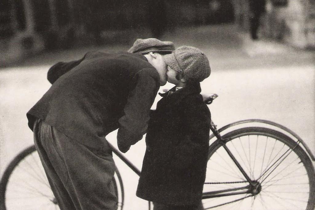 Hans Staub, «In front of the Kindergarten», Zurich, 1931.