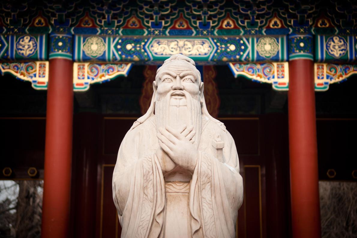 «Αυτό που έχει σημασία για τον κ. Φίνγκλετον και τους ομοϊδεάτες του μοιάζει να είναι το γεγονός ότι για πρώτη φορά μετά από περίπου εξήντα χρόνια πολιτισμικού ιμπεριαλισμού εκ μέρους της Δύσης, ''οι Κινέζοι'' αρχίζουν κάποια δειλά βήματα προς την ίδια κατεύθυνση. Τι θράσος!»