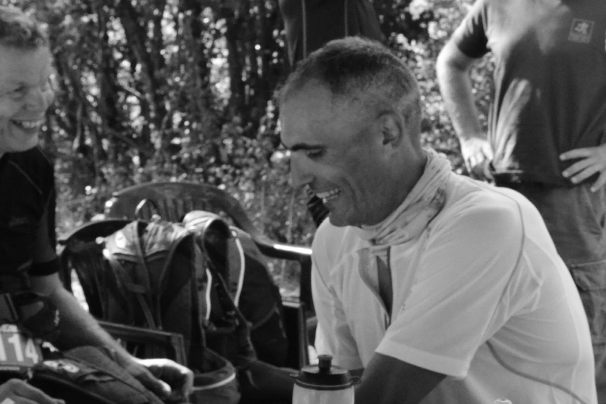 Με τον («αγαπητό συνοδοιπόρο») Αποστόλη Μπατζιτέγο στο σταθμό της Ζαρκαδιάς στο ROUT 2012.