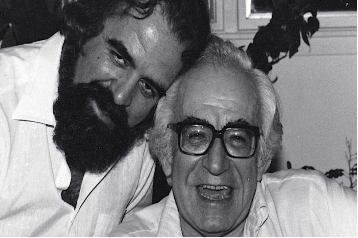 Ο Αλέκος Χρηστάκης (αριστερά) με τον στενό του φίλο και συνδημιουργό του Club of Rome, Χασάν Οζμπεκάν.